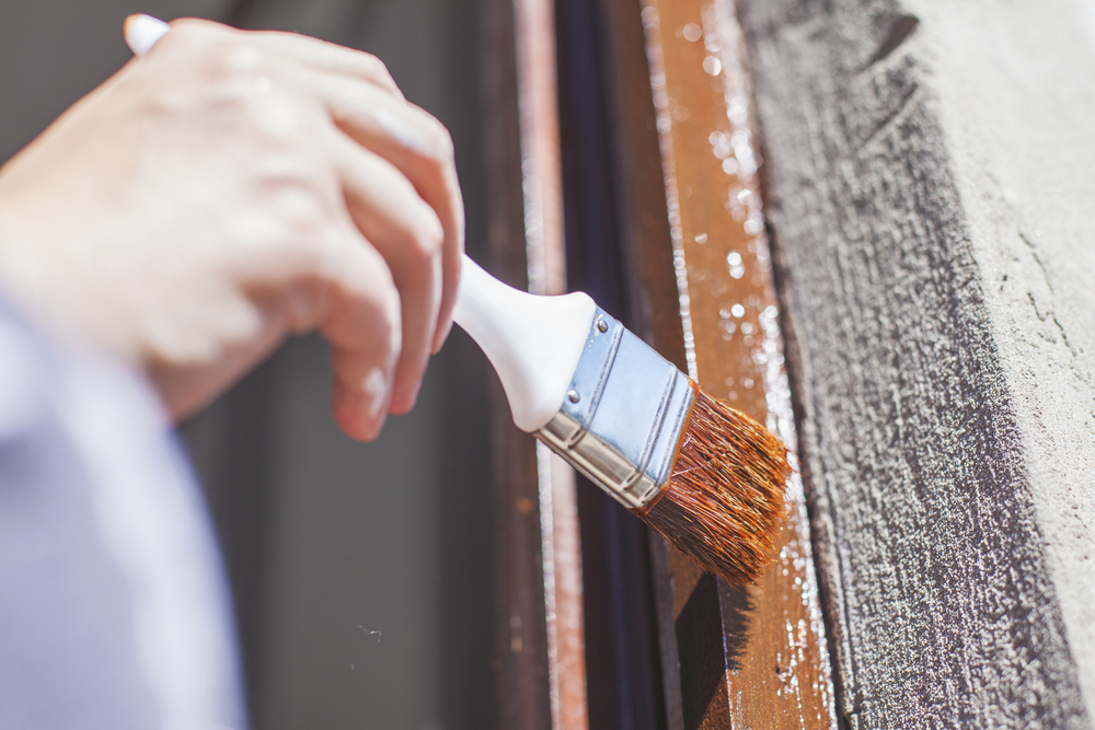 Holzfenster streichen: Die Möglichkeiten im Überblick